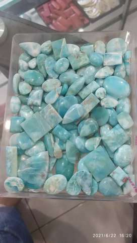 batu natural larimar