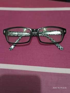 Kacamata Levis Original