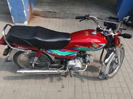Honda Cd 70 2018 red one hand use only