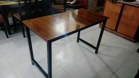 PC gaming Table for sale