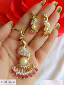 Classy alloy pendant with chain & earring