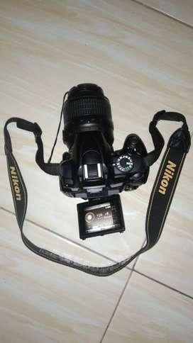 Kamera Nikon D5000 Kit 18-55mm