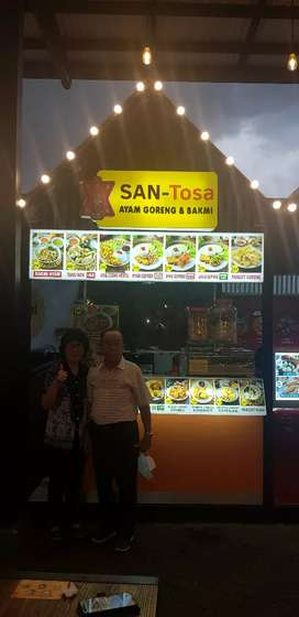 SPG/ B counter makanan di Sedayu City Gading Festival