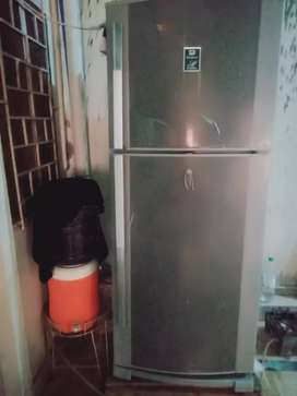 Dawlance fridge in good condition