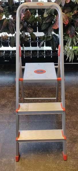 Bathla Aluminium Ladder