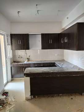 2bhk unfurnished floor available for rent