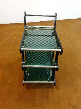 New and modern style tea trolly for sale 7000 only