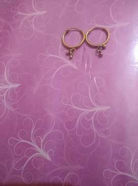 Gold 24 karet ear ring