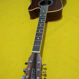 Gitar akustik mantul
