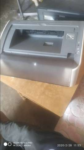 Canon LBP3000 printer,. With new original cartridge