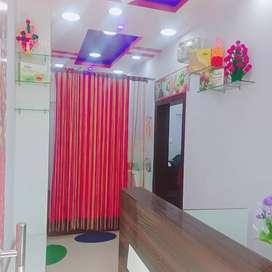 Unisex salon for sale