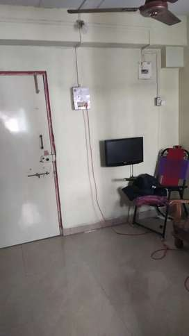 Looking for PG/Roommate in 7.5k rent deposit 15k 5share 1bhk flat