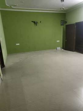 Very big spacious 3bhk flat for rent in nirman nagar