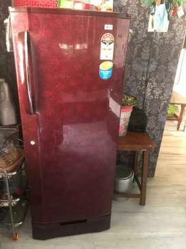 Lg fridge 235 ltr