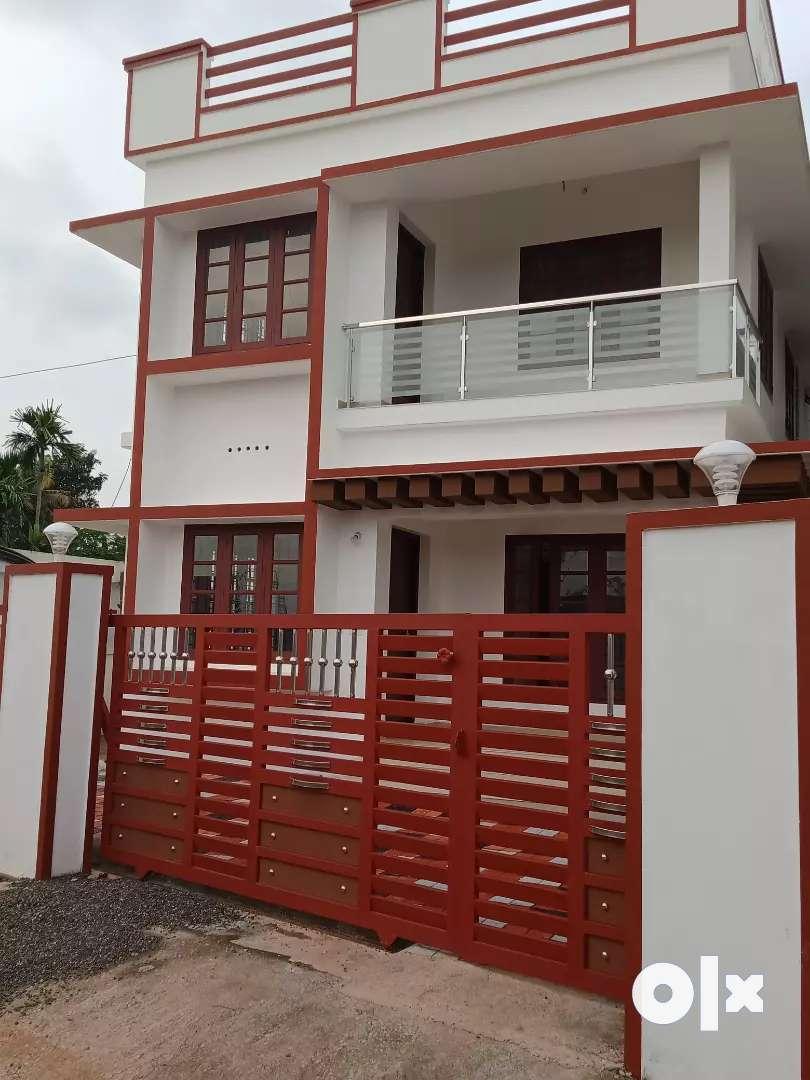 3 bhk 1400 sqft new build house at aluva pukattupay road kunjattukara 0