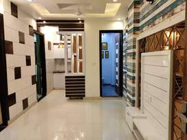 2 BHK L-TYPE FRONT SIDE FLAT AT BEST LOCATION IN MOHAN GARDEN-METRO...