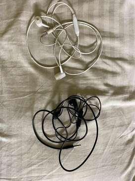 2 pair of earphones