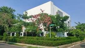 Rumah hook strategis di Jl Cempaka Putih Tengah XXVII C