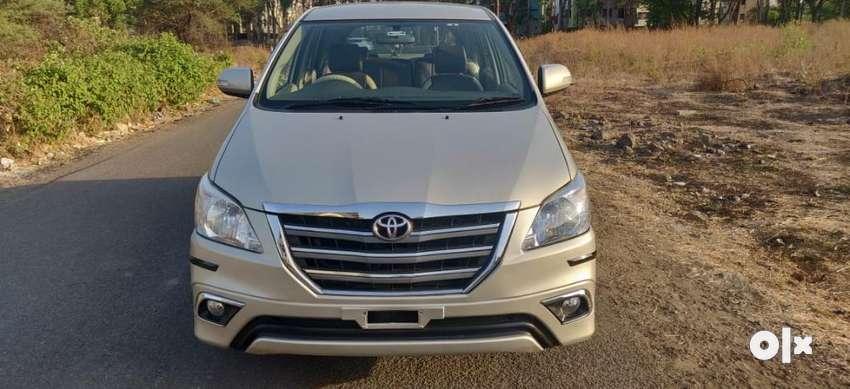 Toyota Innova 2.5 VX BS IV 8 STR, 2014, Diesel 0