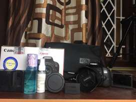 Canon Eos 800D (With 18-55mm Kit lens and 1 year warranty)