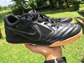 Nike SB Gato Black Metallic Gold