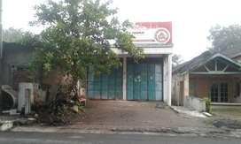 Dikontrakkan Toko ( bekas toko bangunan )