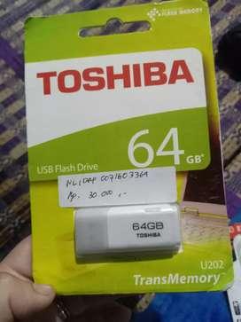 Flashdisk merk Toshiba 64gb
