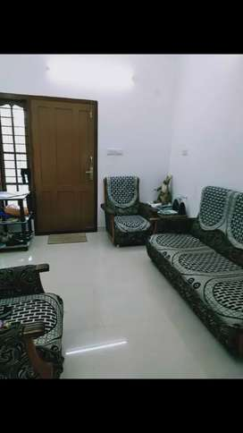 Kadavanthara independent house for Rent