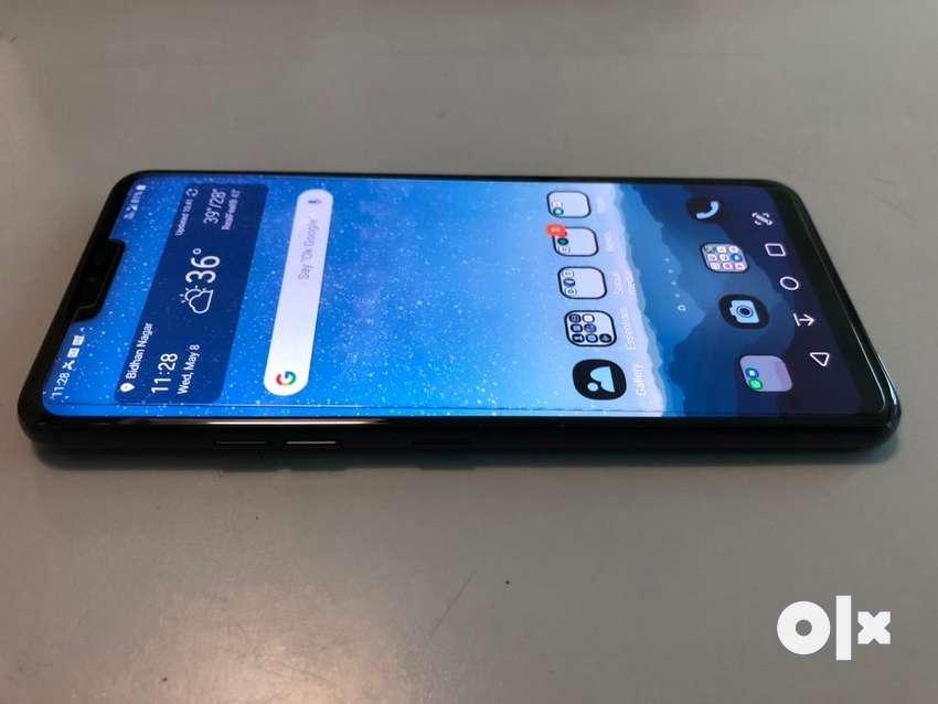 4 months old flagship killer - LG G7 Thinq (black) 0