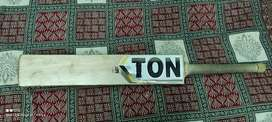 Ton premium English willow bat