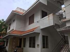 2BHK house near rivara suit thevara for 11000