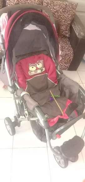 Stroller bayi Kuat