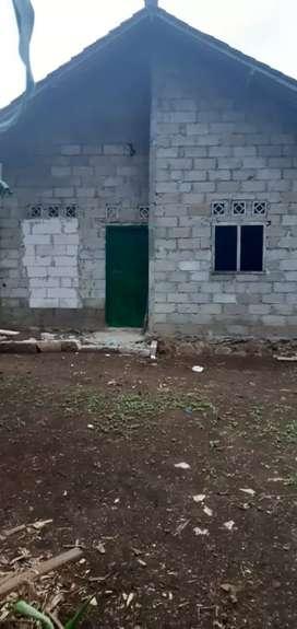 Rumah kampung di alamat Kampung nyangegeng rt 003 rw 001 jonggol