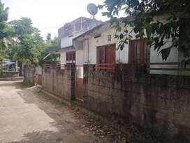 Varapuzha kongorpilly 4 cent with 2 bed