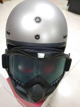 Helm fighter Yamaha