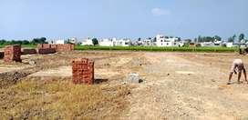 2950 rupees per gaj plots for sale  ,114 gaj da plot hai .