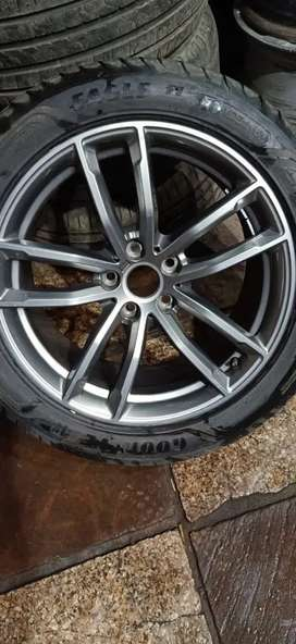 "Four Genuine BMW 18"" Msport Alloy wheel"