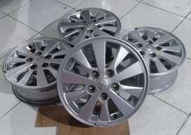 Velg Mobil Bekas X-pander Ring 15x5,5 pcd 5x114,3 ET 46 silver