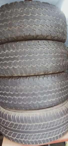 Toyota Fortuner  4 tyres