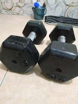 Sepasang Dumbell fix 10 kg (kilo) jakut COD (barbel)