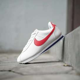 sepatu nike cortez red white