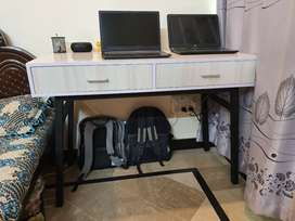 Study Table Desk made with High Gloss sheet