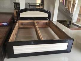 King Size bed in 18mm thickness ply and 1mm mica