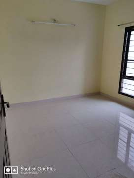 2 bhk house for rent in mango near main road near by school's,hospital