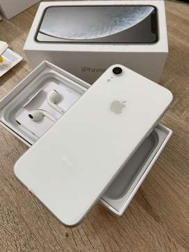 iPhone XR 64GB Silver