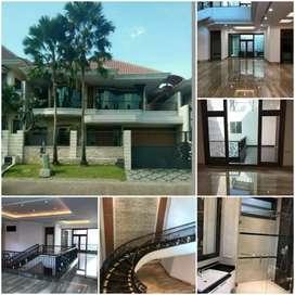 DIJUAL Rumah Graha Famili / Graha Family dkat CitraLand, Pakuwon Indah