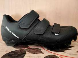 XC 100 mountain bike shoes with cleats