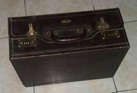 Tas koper kulit antik