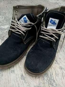 Sepatu boots merk suede