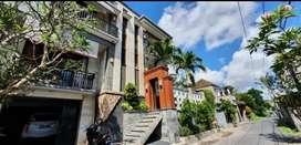 Disewakan Rumah Mewah 4 Empat Kamar di Perbatasan Tibubeneng 300mbps